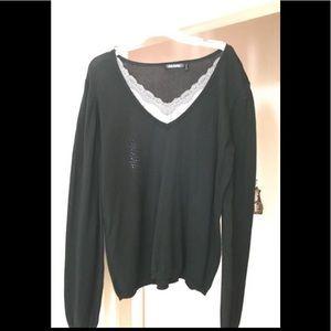Women's Daisy Fuentes Black Sweater w/ Grey Lace